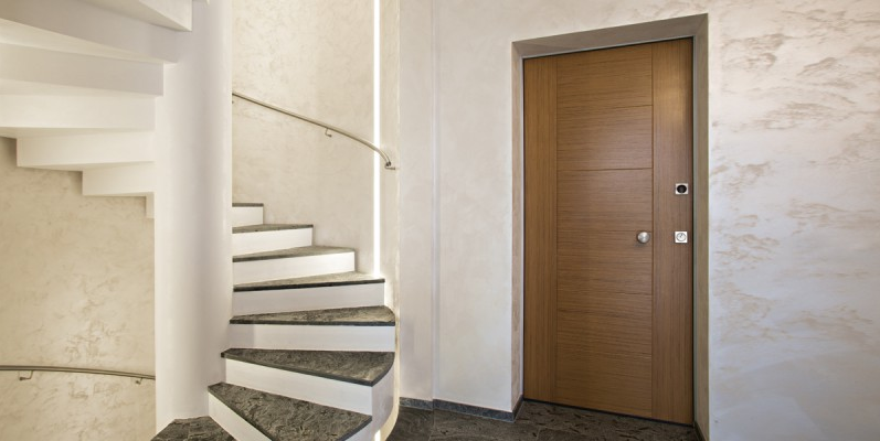 come rendere sicura un'abitazione se non con la porta blindata?